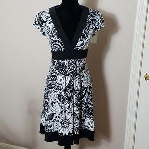 BCX Black and white Floral Print Dress Size M